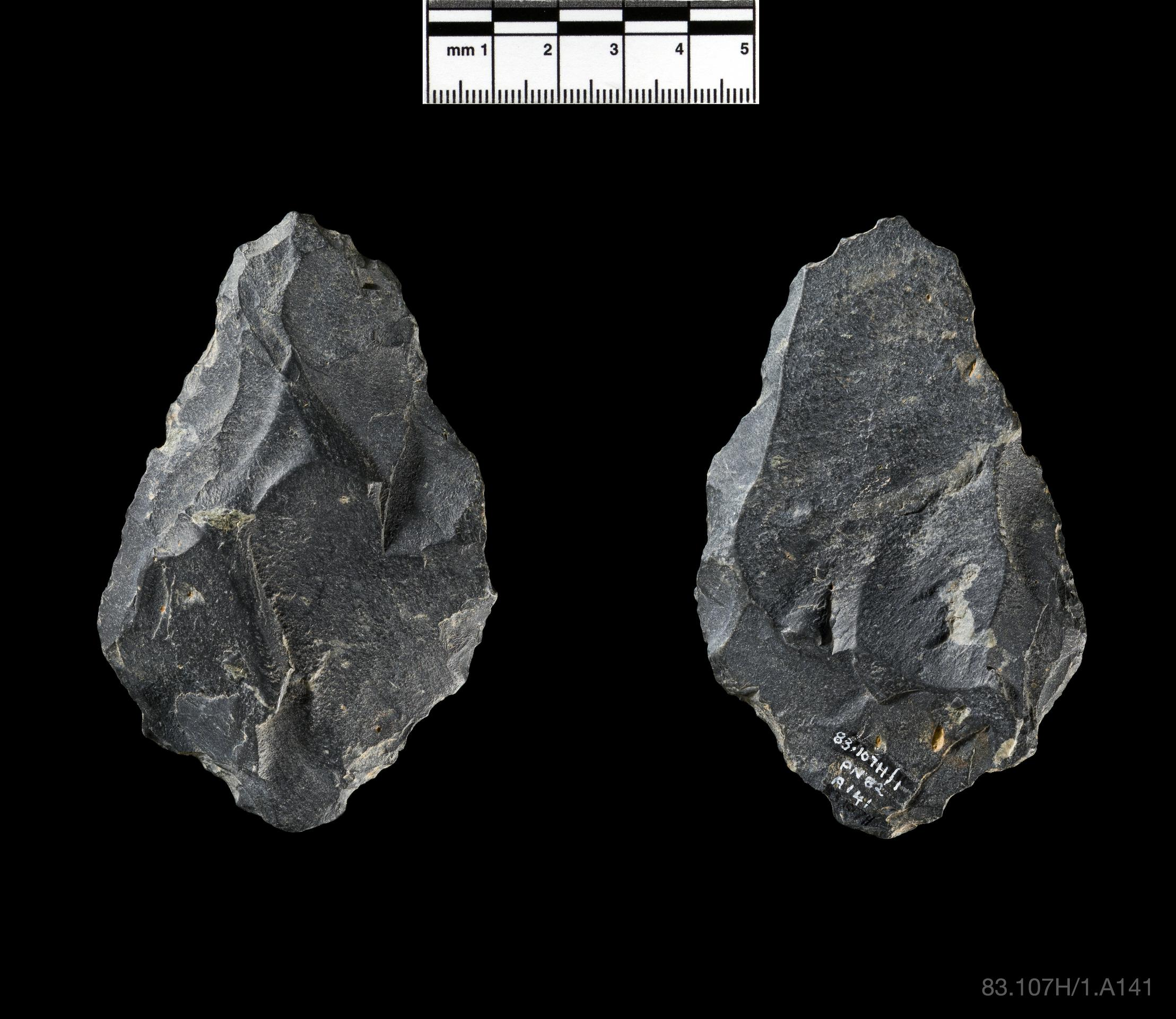 Open the image &lsquoHandaxe'