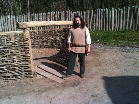 Building a roundhouse with Ian Daniel