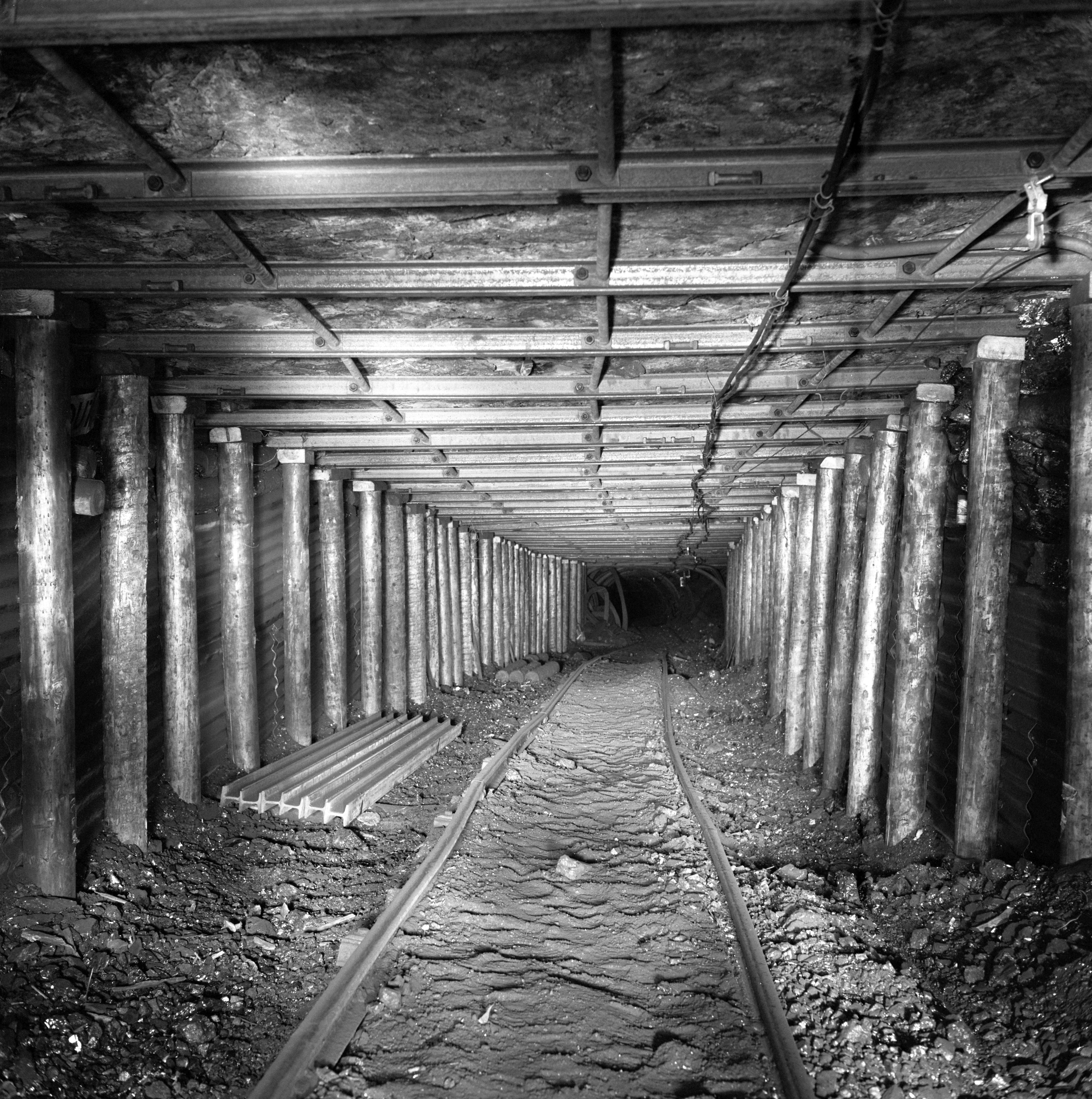 Cwmgwili Colliery, a completed drivage supported by timber, 1978