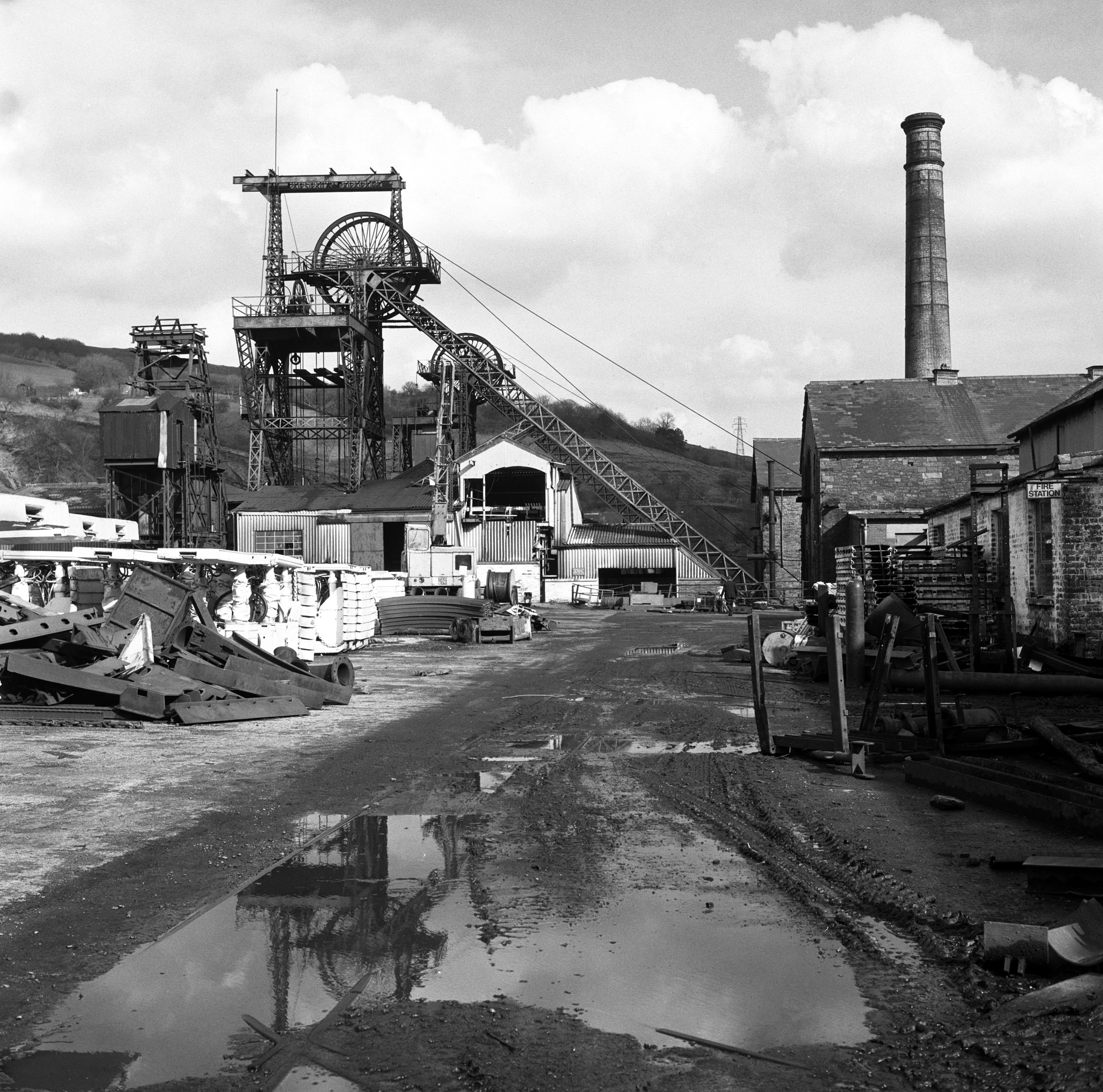 Lewis Merthyr Colliery, 1977, hydraulic roof supports in the yard waiting to be taken underground.