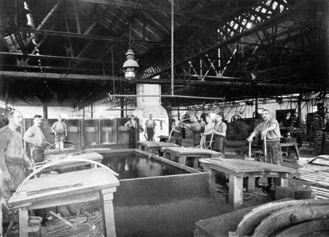 In 1897 a spring making shop was built to make railway carriage springs.