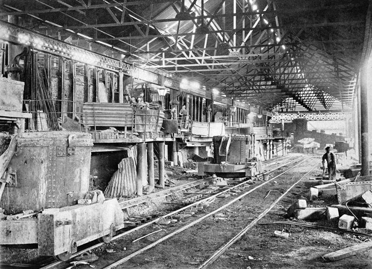 Two open-hearth steel furnaces were built in 1898, followed by a further three in 1905-06.