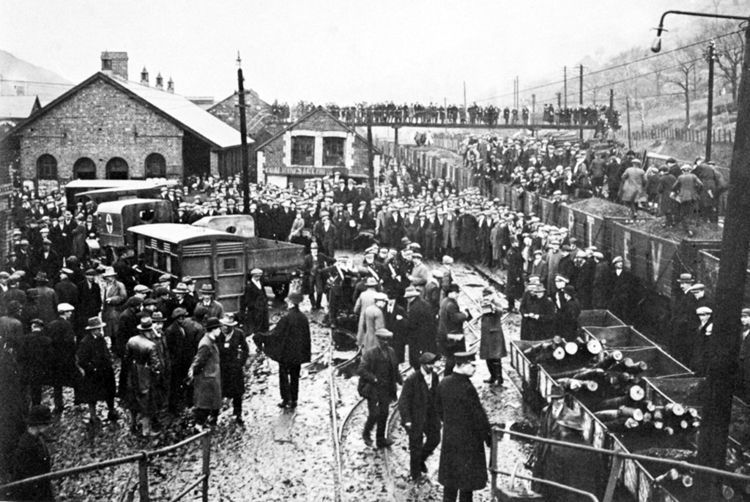 On St David's day 1927, 52 miners at Marine Colliery were killed in an explosion.