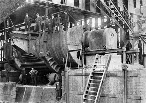In 1929 a new 1,500 ton hot metal receiver, then the largest in the world, was installed.