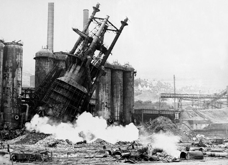 Demolition of the blast furnaces, August 1978.