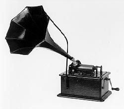 An Edison 'Standard', similar to that used by Ruth Herbert Lewis