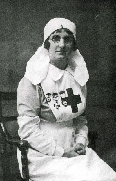 Serah Trenholme in a Red Cross uniform 1939-45