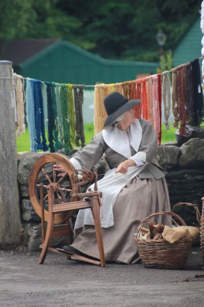ECWS member at the spinning wheel