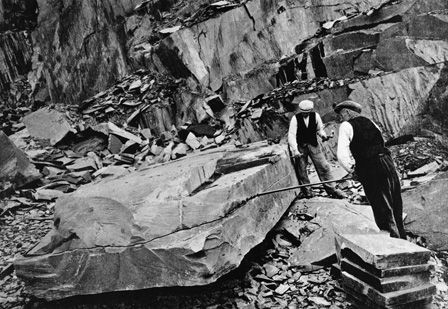Dinorwic Quarry, Splitting Slabs