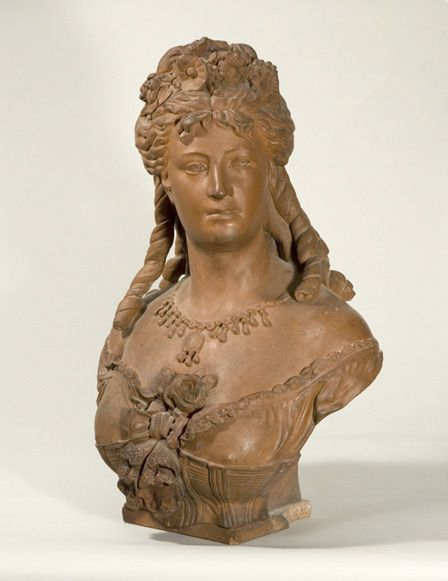 Terracotta bust of a lady