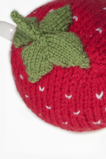 tea cosy - strawberry 2