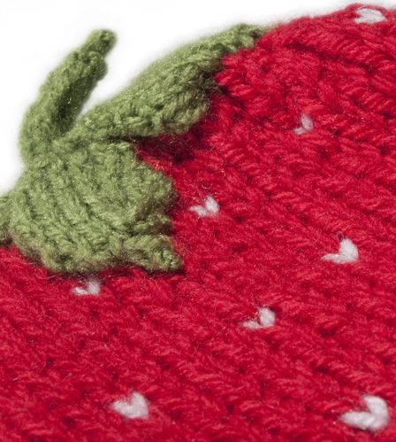tea cosy strawberry 3