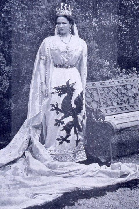 The Marchioness of Bute as 'Dame Wales' at the National Pageant of Wales, July 1909.