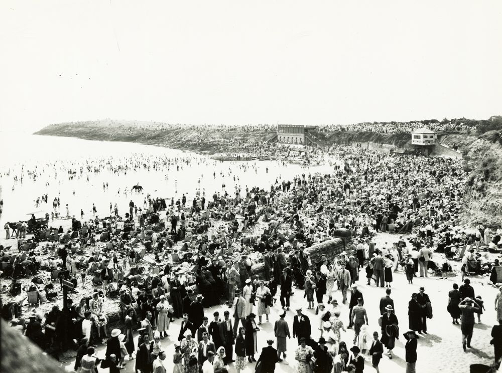 Barry Island Beach, August bank holiday Monday 1938
