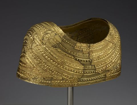 Mold Gold Cape – The Trustees of the British Museum
