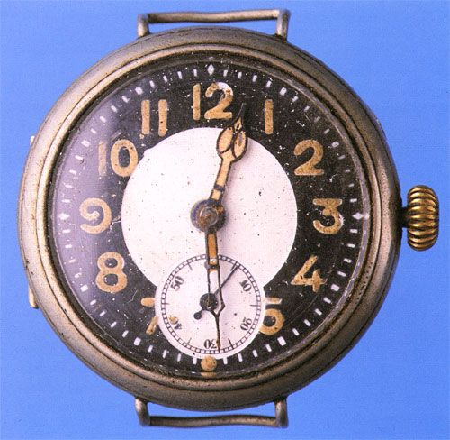 1918 gent's wristwatch showing degraded and missing areas of radium paint