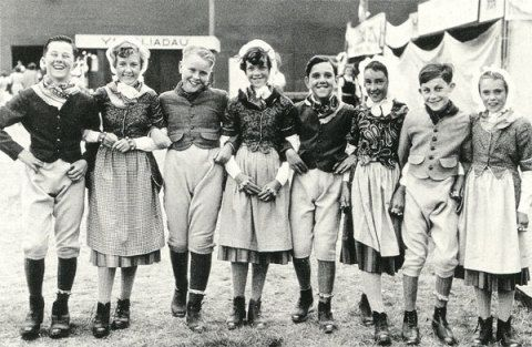 Parti'r Gest, competitors in the 1955 National Eisteddfod