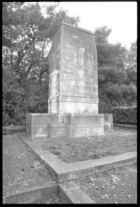War Memorial in Caetwmpyn Park, Newbridge
