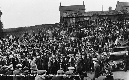 The crowd waiting at the Pit mouth at Senghenydd