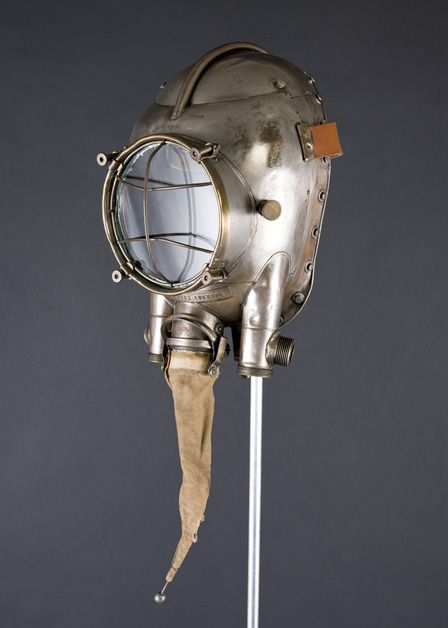 Draeger breathing apparatus