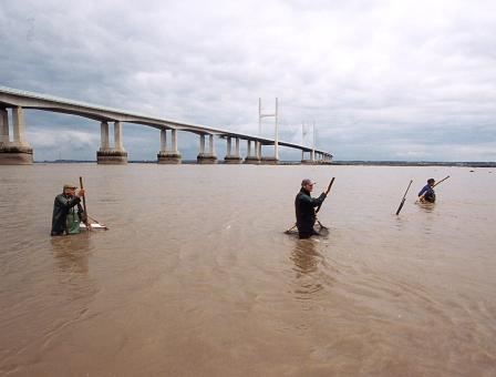 Blackrock Lave Net Fishermen, beside the Second Severn Crossing. From left to right: Bob Leonard, Richard Morgan a Martin Morgan.