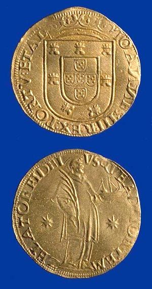 A gold San Vicente of John III of Portugal (1527-57); the reverse (right side of image) depicts the saint holding a martyr's palm and a model ship.