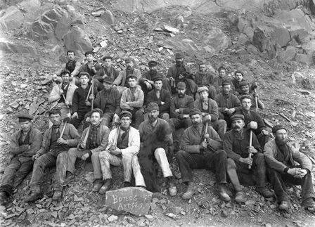 "Quarrymen at ""Bonc Bonas Ayres"", Dyffryn Nantlle Slate Quarries"