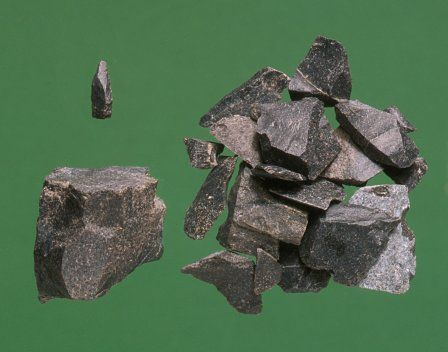 A small group of later Mesolithic flints from Cefn Rhos-Gwair (Rhondda Cynon Taff), dating from 7500-4000BC.