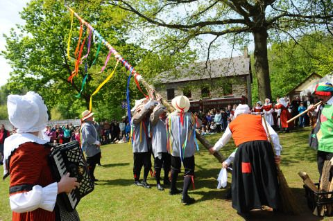 Raising the Maypole at St Fagans
