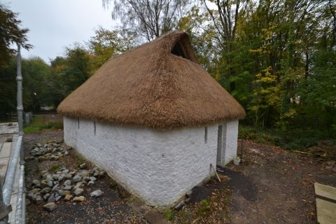 Image showing the outside of the lesser hall and its thatched roof