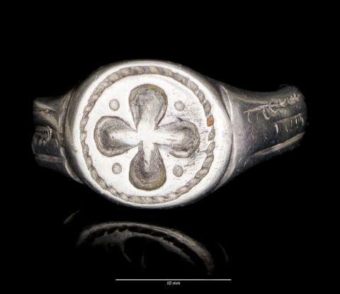 Signet ring from Sully