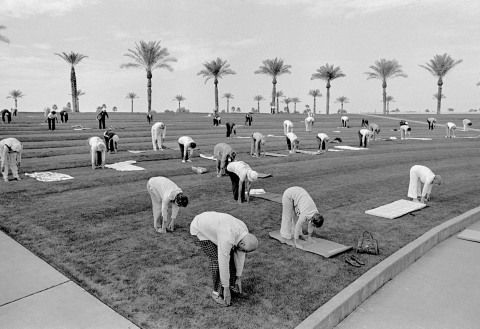 Sun City Outdoor group fitness in Sun City Arizona 1980 Copyright David Hurn Magnum Photos