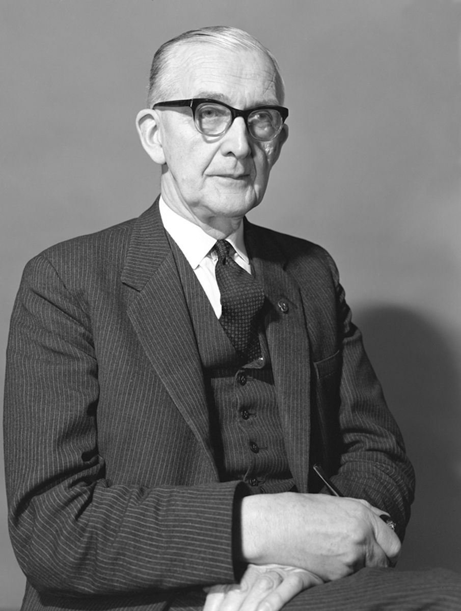 Dr Iorwerth C. Peate on the occasion of his retirement in 1971.