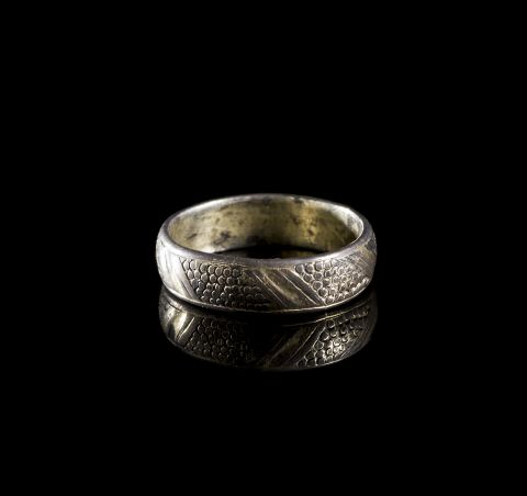 Picture of a post-medieval silver guilt ring found in Pembrokeshire