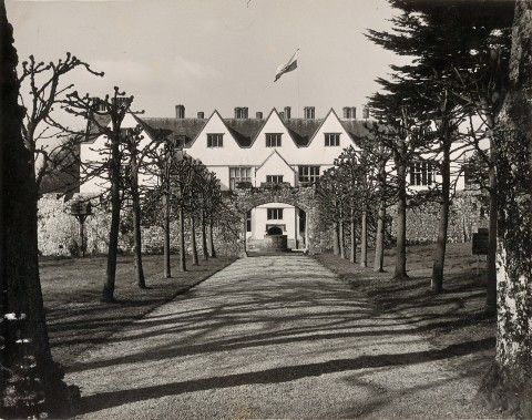 St Fagans Castle entrance circa 1946