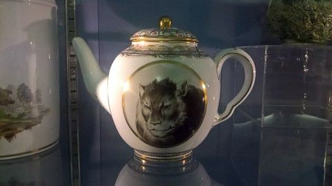 photo of a wedgwood teapot with an illustration of a tiger