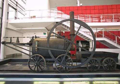 Richard Trevithick's steam locomotive | National Museum Wales