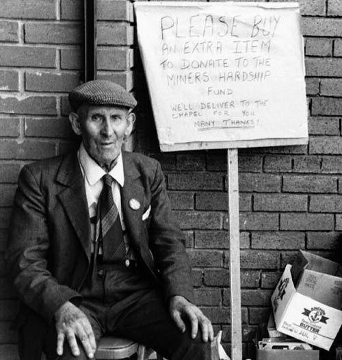 Collecting money outside Maesteg Co-op. Image: Dorothea Heath