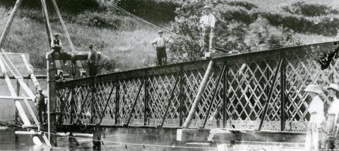 Constructing a new footbridge across the River Teifi at Aber-cuch, 1908