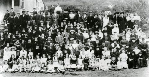 Penuel Baptist Chapel's annual Sunday School outing to Poppit Sands, 1913.