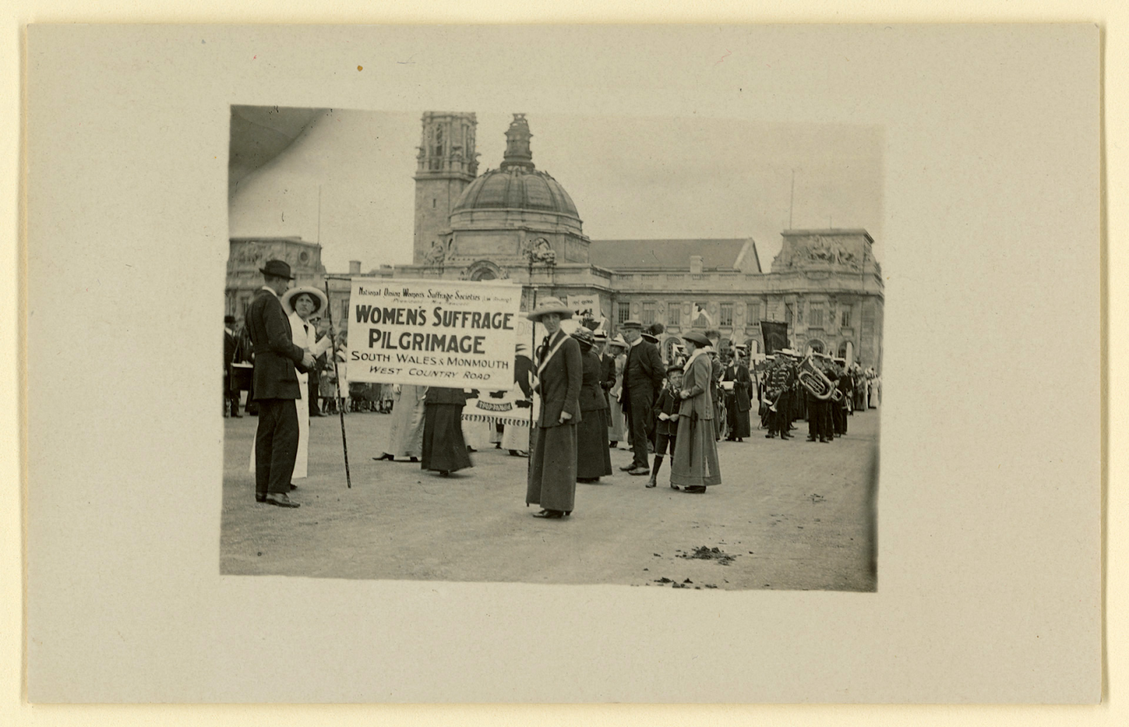 Members of Women's Suffrage Society Pilgrimage, Cathays Park, Cardiff, 1913