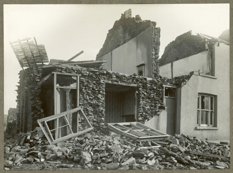 Tornado damage to Fairview Terrace, Abercynon.
